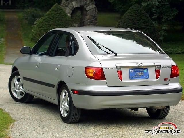 Hyundai Elantra, третье поколение